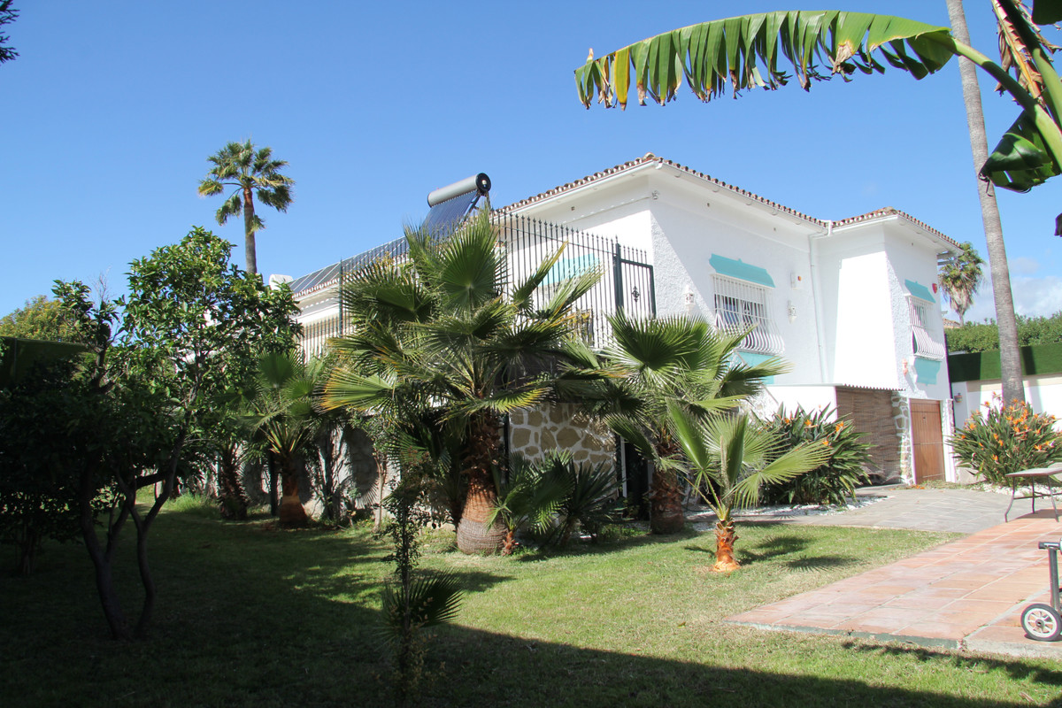COSY DETACHED VILLA SITUATED NEARBY THE GOLF COURSE IN GUADALMINA ALTA. SET IN A MATURE GARDEN WITH , Spain
