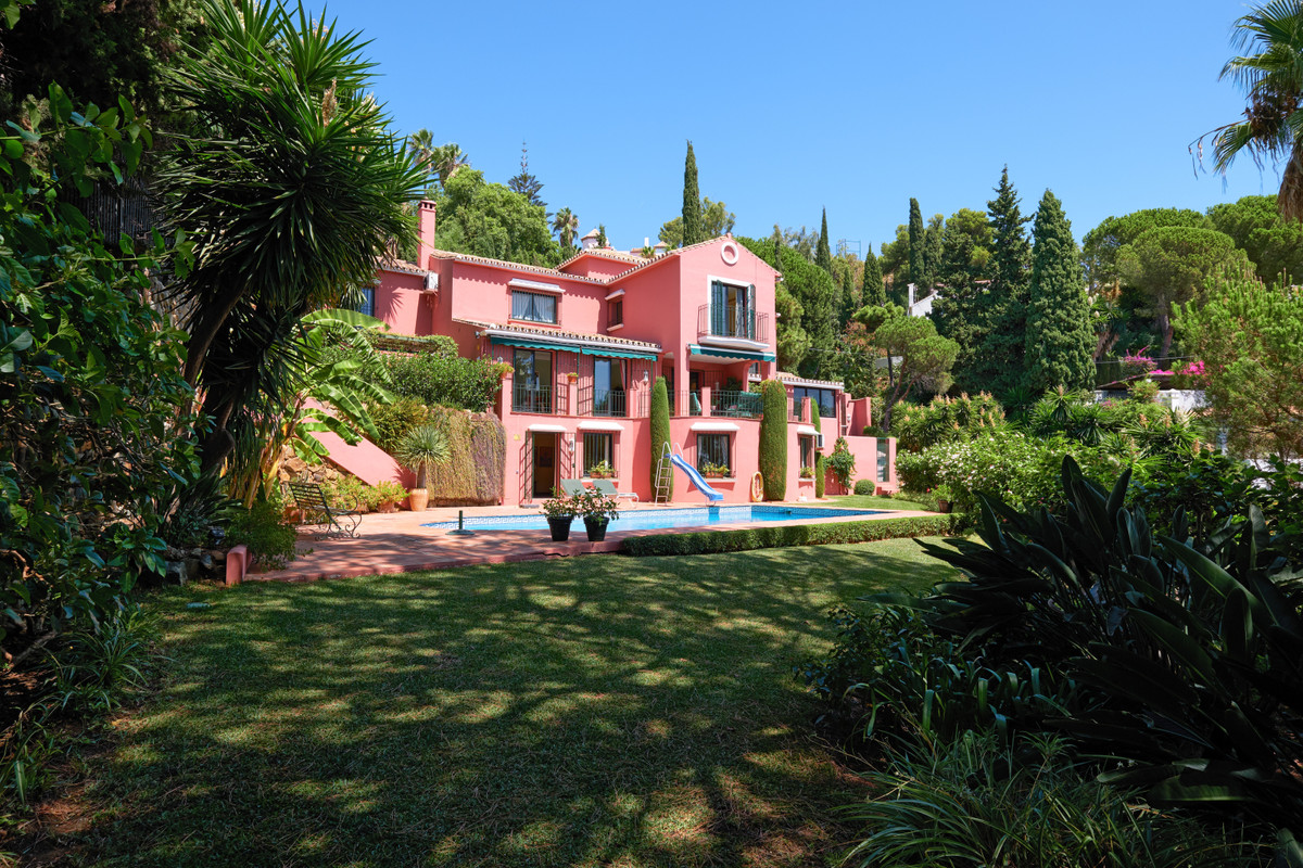 CHARMING RUSTIC STYLE VILLA WITH SUPERB PANORAMIC VIEWS TO THE COASTLINE AND THE MOUNTAINS.  LOCATED,Spain