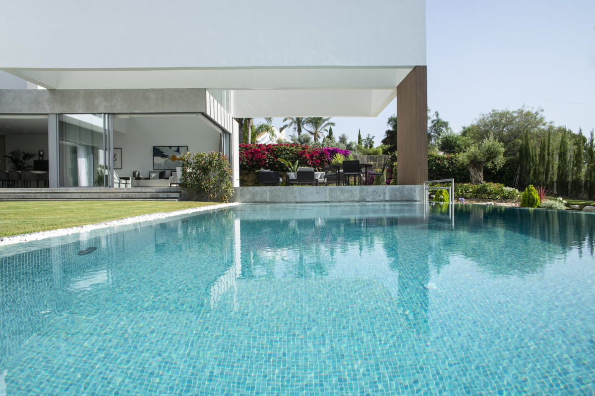 BEAUTIFUL NEWLY BUILT VILLA SITUATED ON ONE OF THE BEST PLOTS OF LOS FAMINGOS. SOUTH FACING WITH VIE,Spain