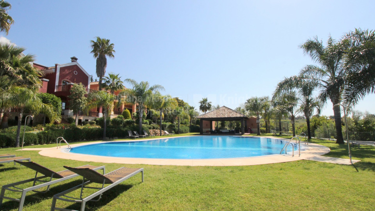 FANTASTIC BANK REPOSSESSED VILLA SITUATED IN THE URBANISATION CAPELLANIA, MARBELLA. WITH COMMUNAL GA, Spain