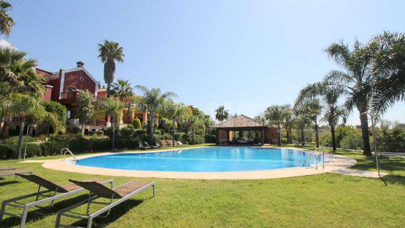 Pareada en venta en Marbella – R3257869