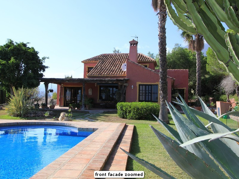 Villa for sale in Estepona - Costa del Sol