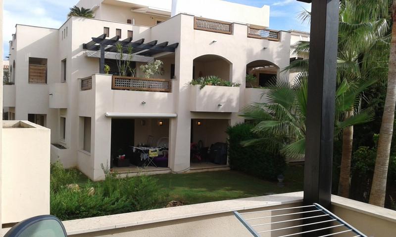 Apartamento Planta Media a la venta en Puerto Banús