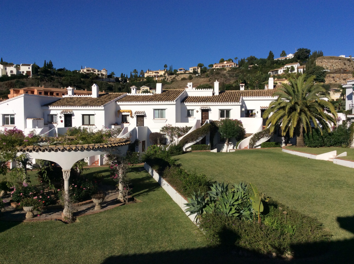 Outstanding 1 level Penthouse for sale in El Parasio Cortes Del Golf offering heavenly views of the ,Spain