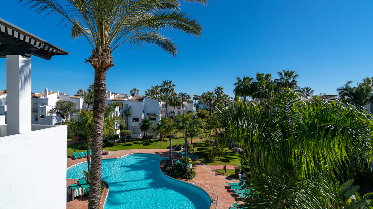 Penthouse for sale in Estepona R3401560