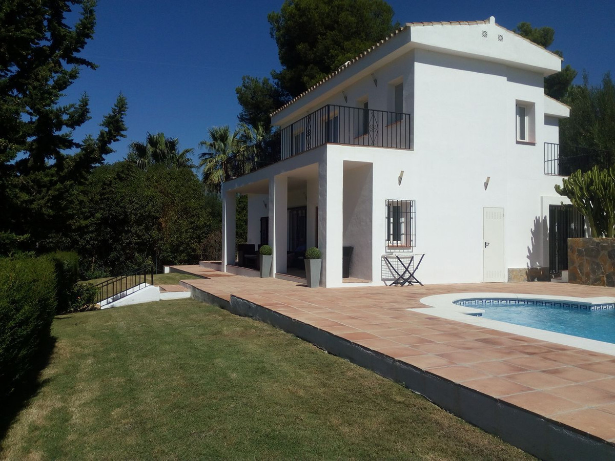 Impressive 5 Bedroom Villa, renovated and extended, built on an elevated plot with superior front li, Spain