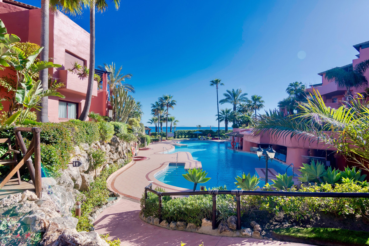 Exclusive Luxurious Interior Designed renovated Duplex Penthouse situated in Menara Beach, Front Lin,Spain