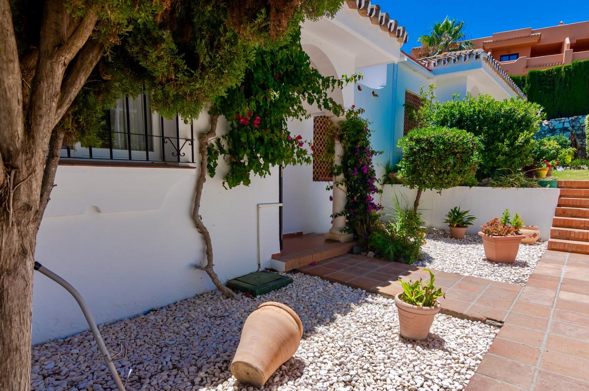 House in El Paraiso R3437932 12