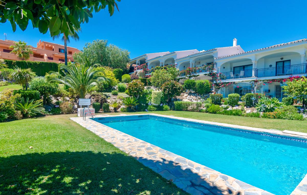 House in El Paraiso R3437932 8