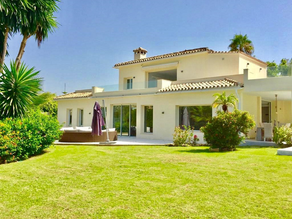 Ref:R3698771 Villa - Detached For Sale in El Paraiso