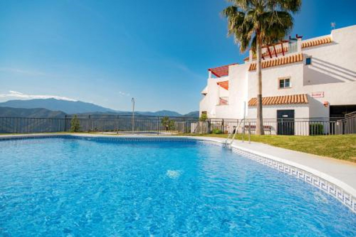 Apartment  Middle Floor for sale   in Istán