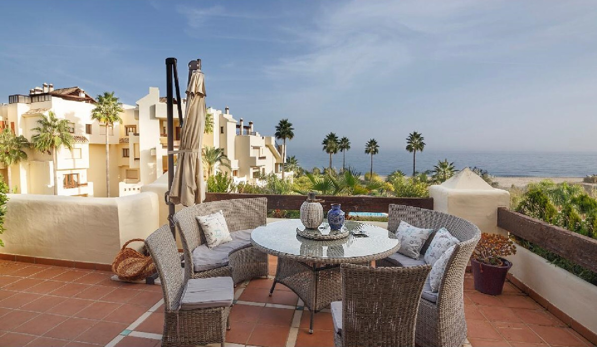 Ref:R3561262 Apartment - Penthouse For Sale in Estepona
