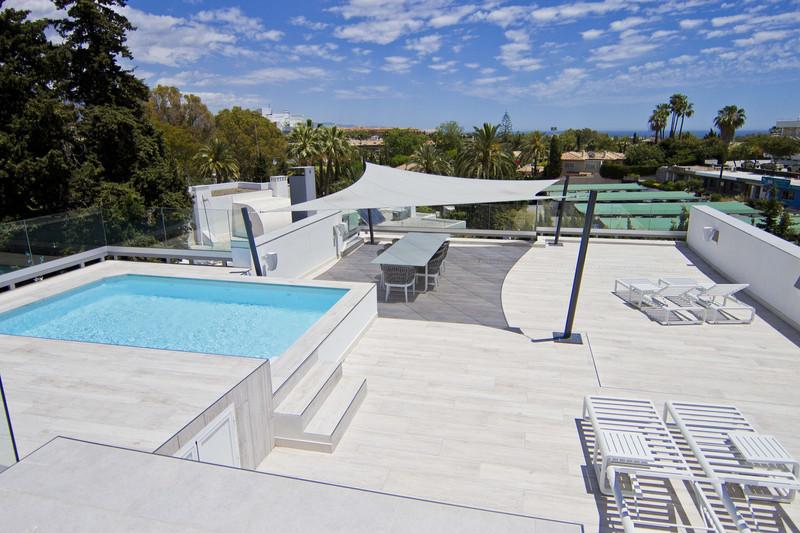 Villa – Chalet en venta en Guadalmina Alta – R3334102