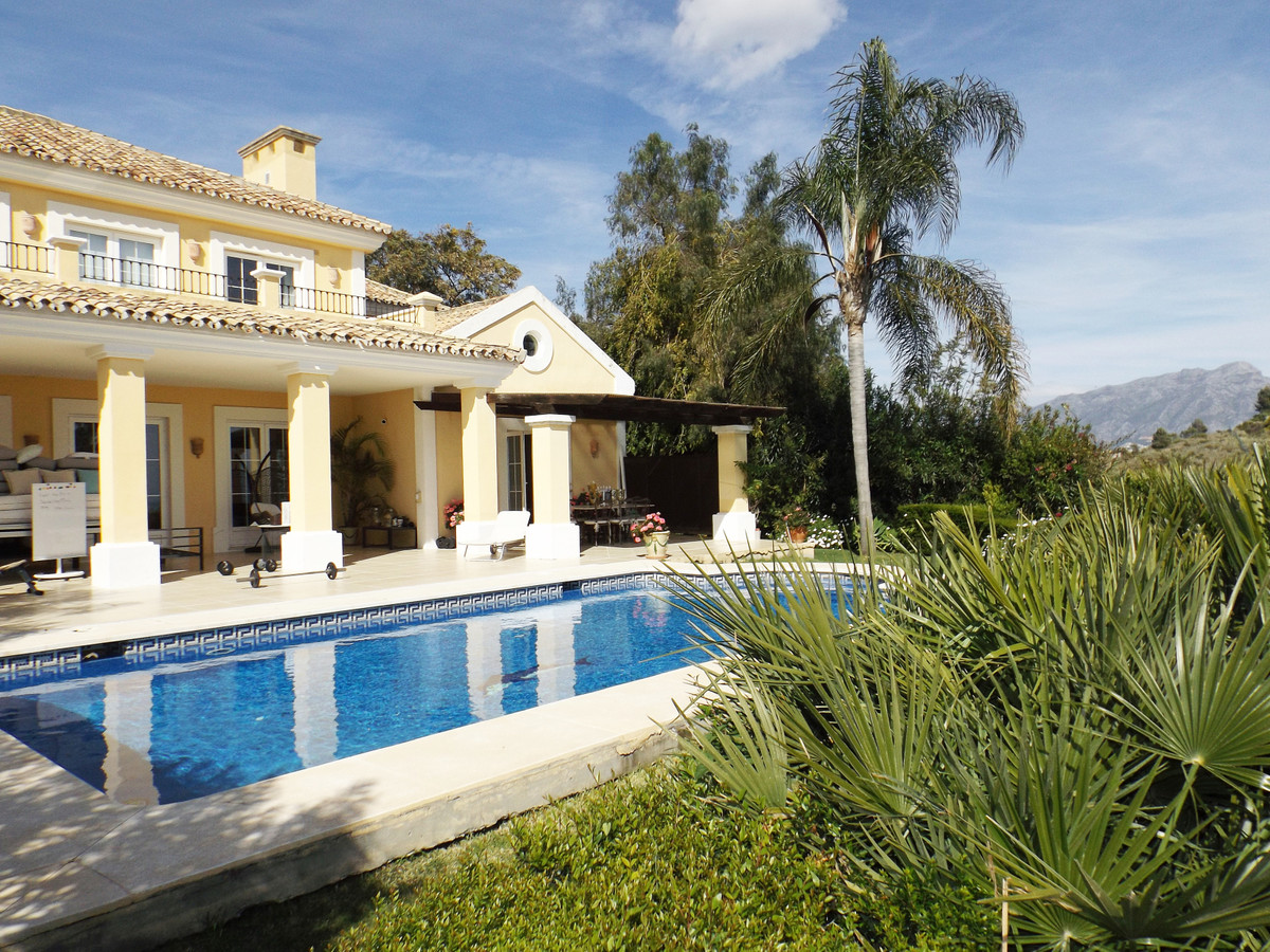 Ref:R3615113 Villa - Detached For Sale in Benahavís