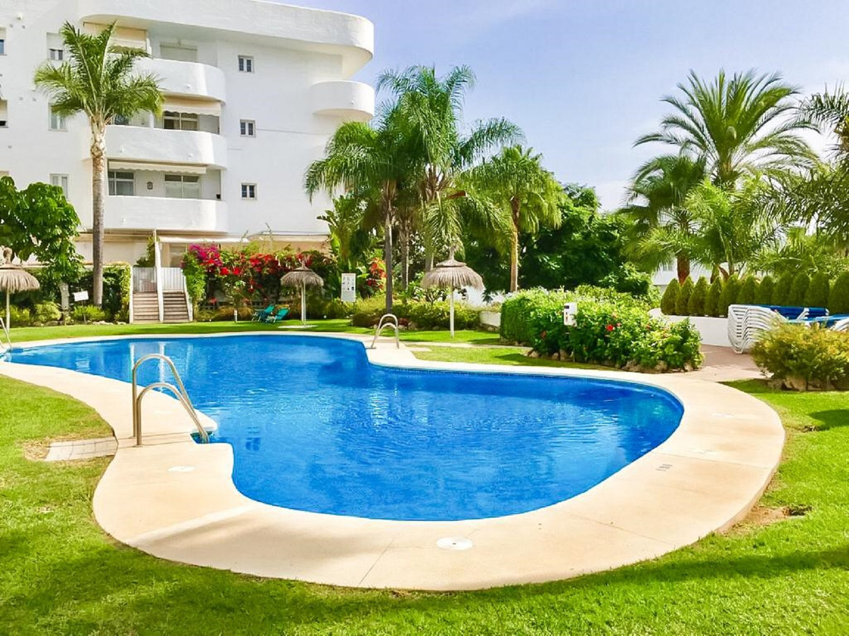We are excited to present this stunning duplex penthouse in Marbella.  Located on the prestigious Go,Spain
