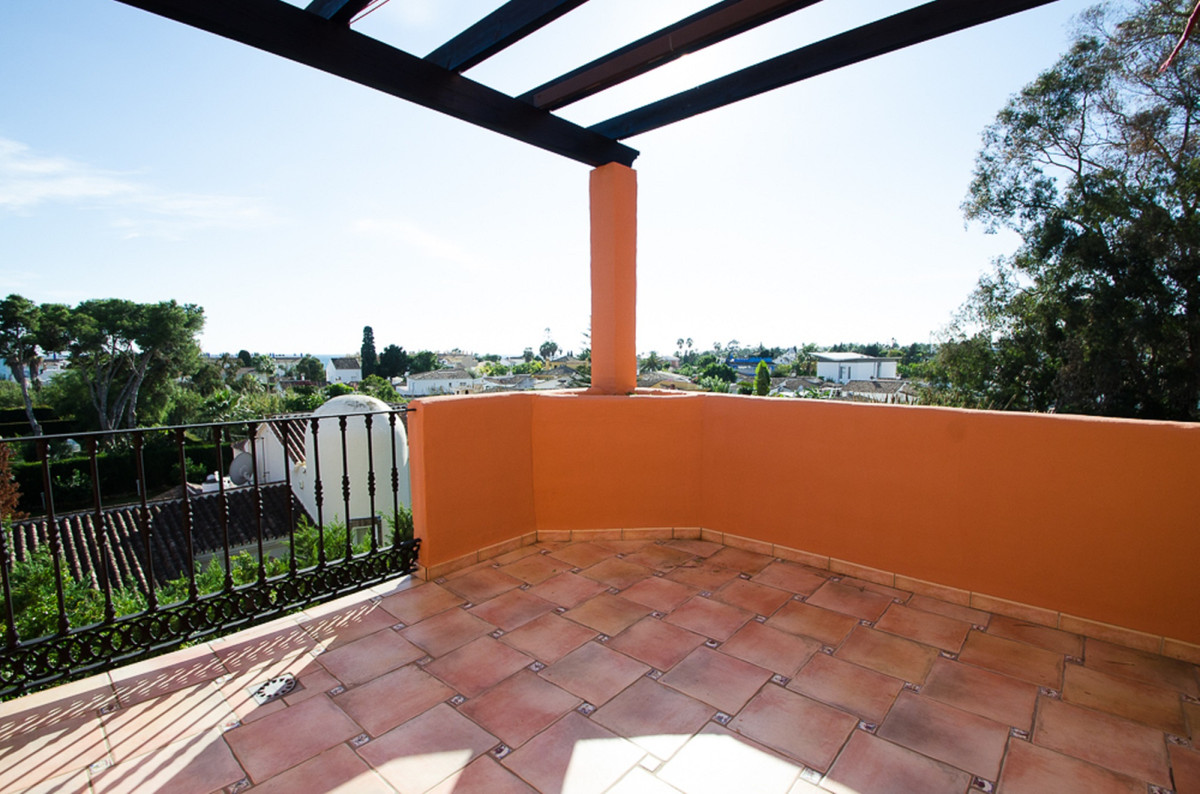 Marbella Banus Ático en Venta en New Golden Mile – R3380362
