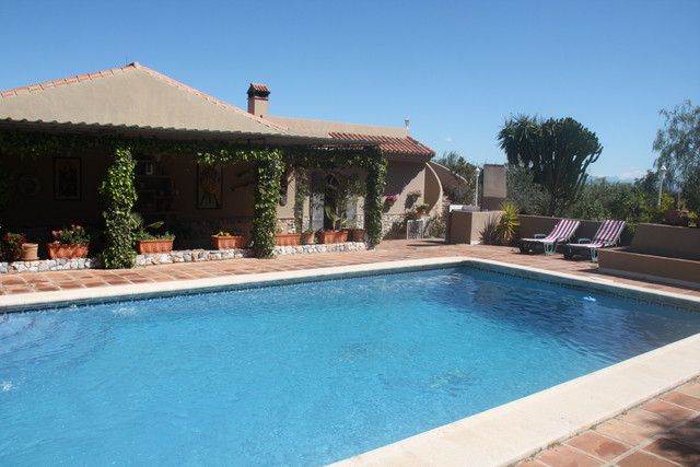 A fantastic opportunity to purchase an incredible finca close to Alhaurin El Grande.  Just 5 minutes, Spain
