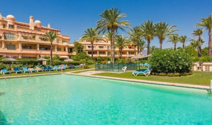 3 bedroom apartment for sale los flamingos