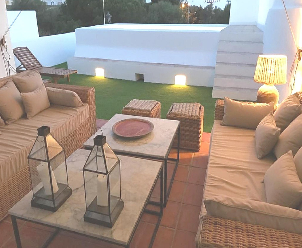A stylish, contemporary and well appointed semi-detached house in Cabopino.  Located in the urbaniza, Spain