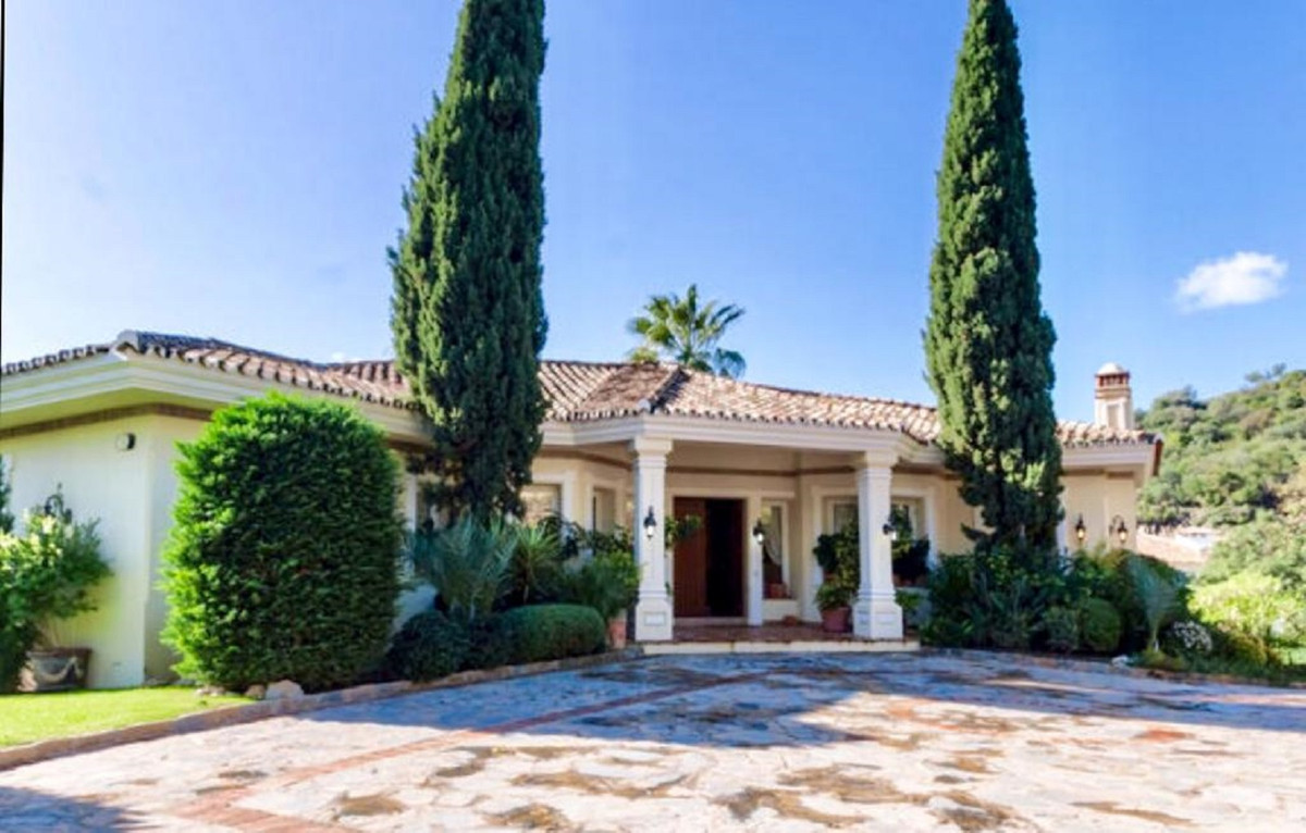 4 Bedroom Villa For Sale - La Zagaleta, Benahavis