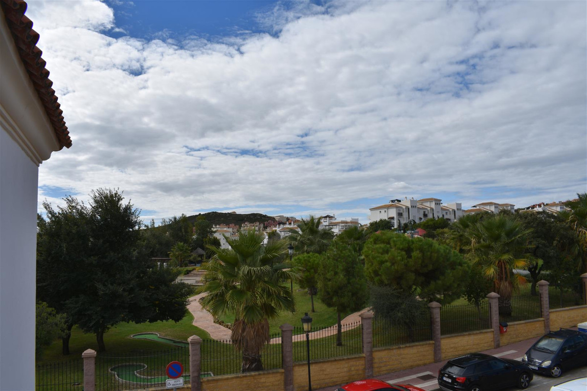 Three bedroom apartment in the centre of San Luis de Sabinillas. It is located in the area of El Duq, Spain