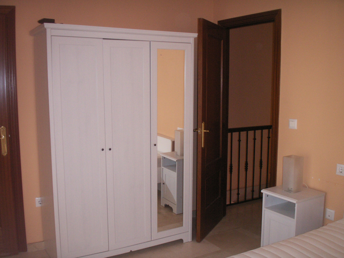 Apartment in Algeciras R3369745 10