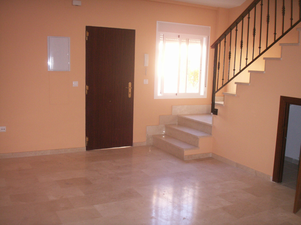 Apartment in Algeciras R3369745 4