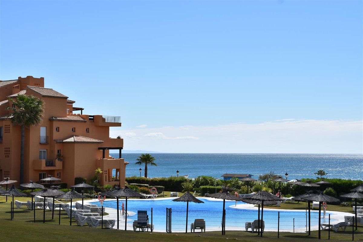 In the urbanization Los Granados Duquesa, synonymous with quality and luxury, on the beachfront, is ,Spain