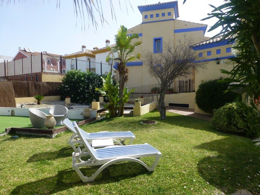 Townhouse in Manilva, Malaga. This cozy single-family house is distributed over two floors. The grou, Spain