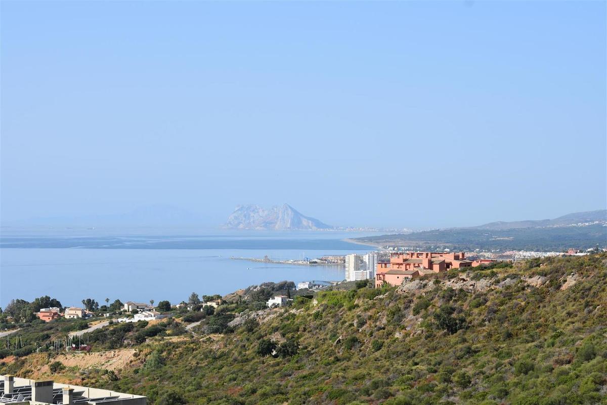 Fantastic two bedroom apartament with panoramic sea views. The property has first quality finishes, , Spain