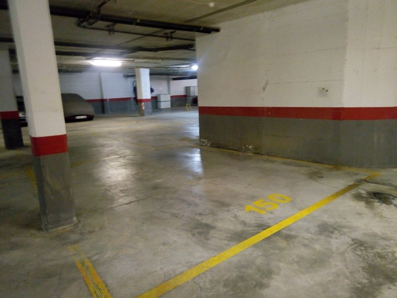 Parking Space in La Duquesa for sale