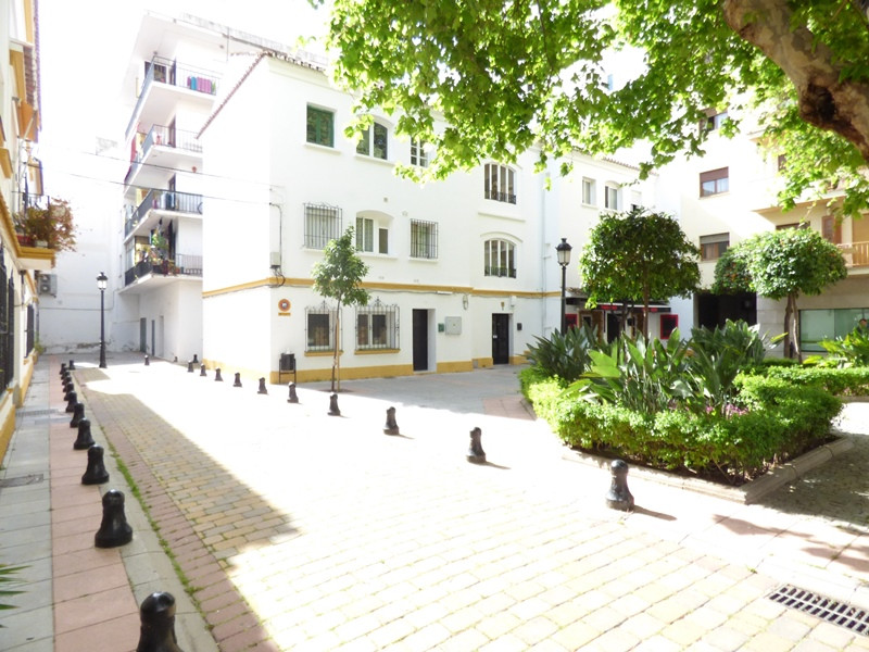 Local / Warehouse located in the center of Marbella, less than 1 minute walk from Avenida Ricardo So,Spain