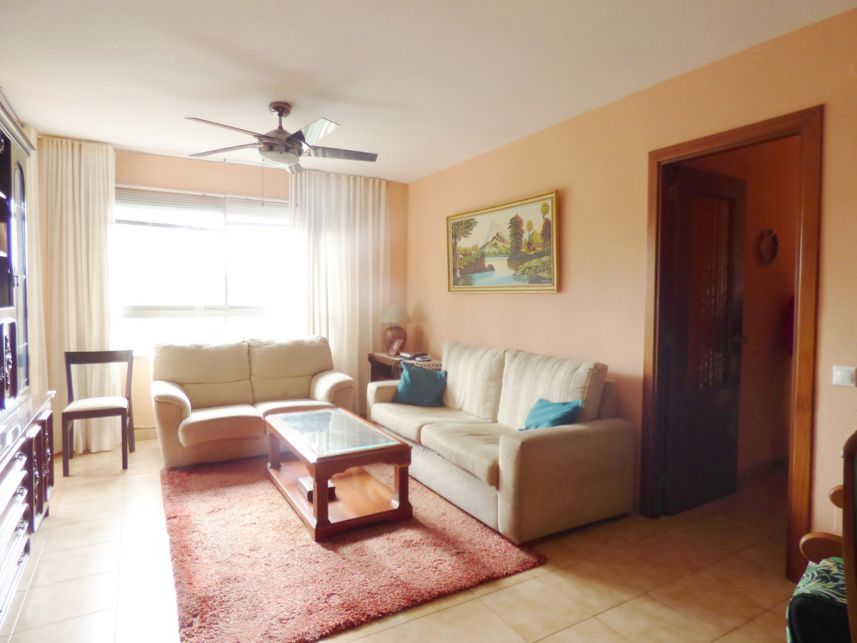 Large family apartment consisting of 4 bedrooms and 2 bathrooms near the center of Marbella, next to,Spain