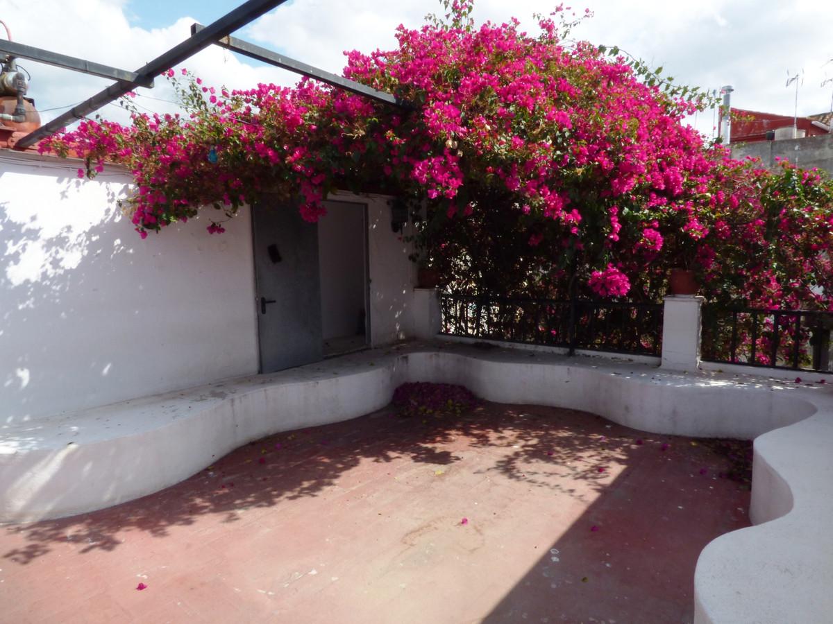 Marbella Banus Adosada en Venta en Marbella – R3508219