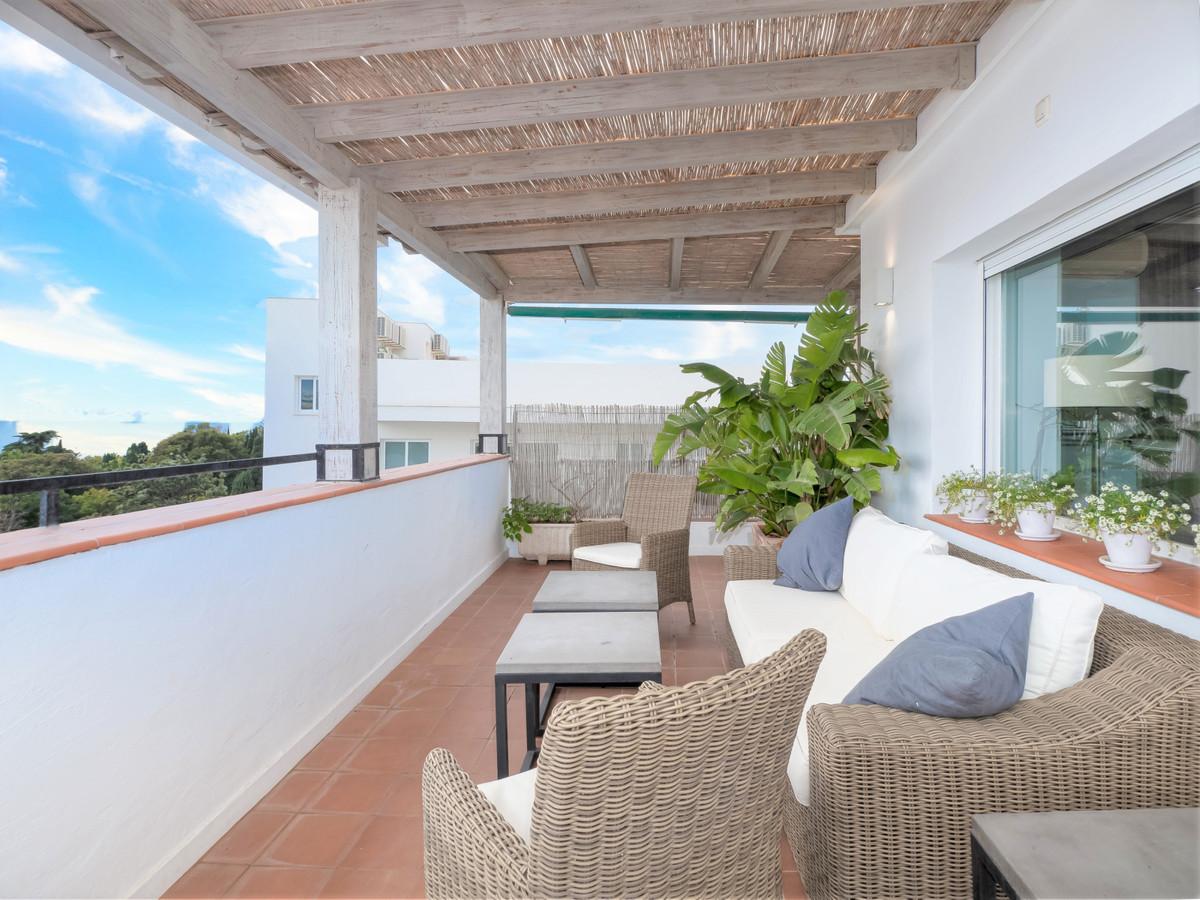 Marbella Banus Adosado en Venta en Costabella – R3413809