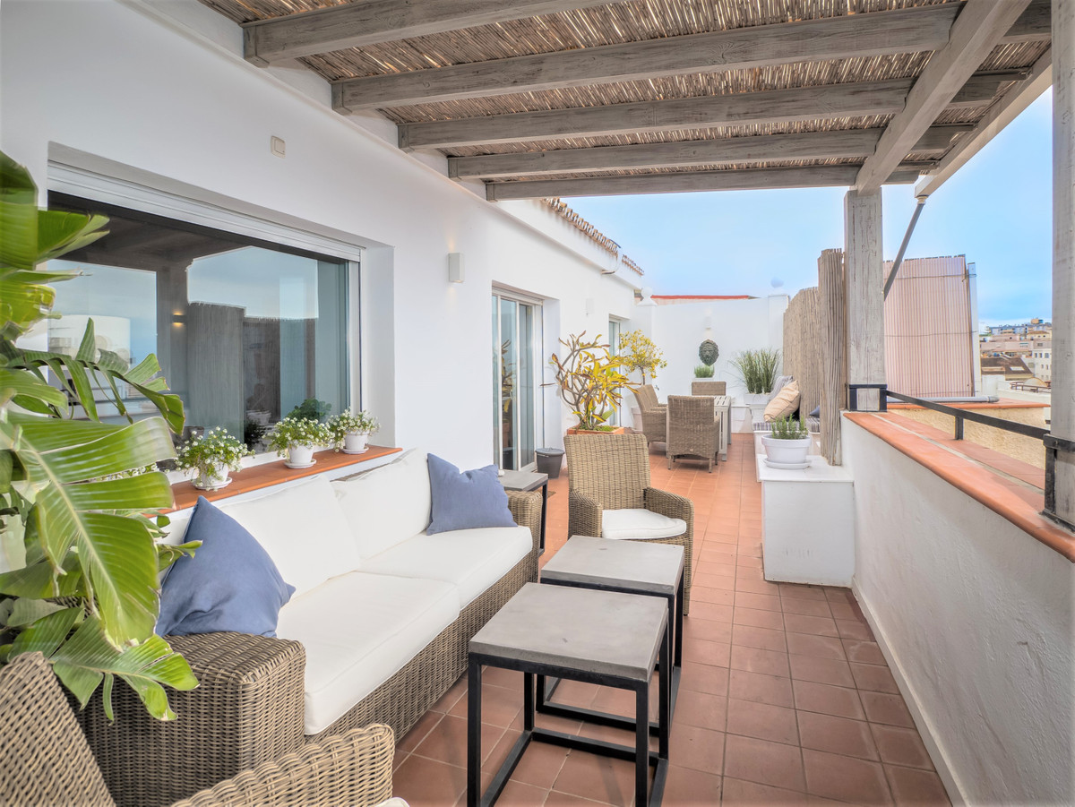 City council for sale in Costabella – R3413809
