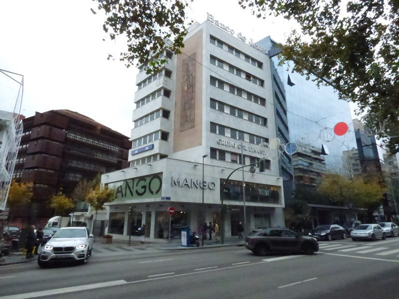 OFFICE FOR SALE with an excellent location in the center of Marbella, on the main avenue Ricardo Sor,Spain
