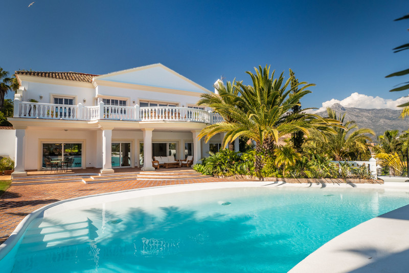 Villas for sale in Puerto Banus 21