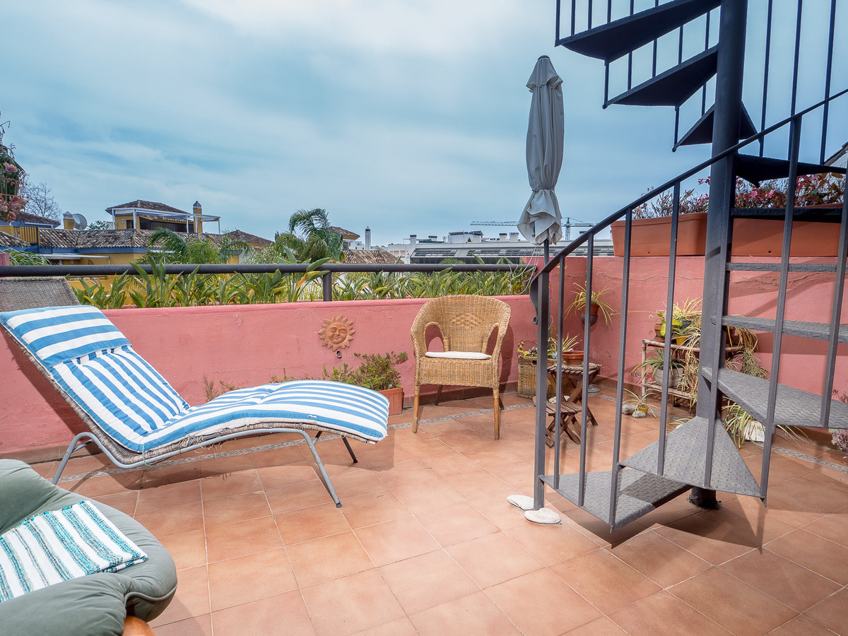 Under offer   Beautiful duplex penthouse  on the Golden Mile . Distributed over 2 floors, with 1 bed,Spain