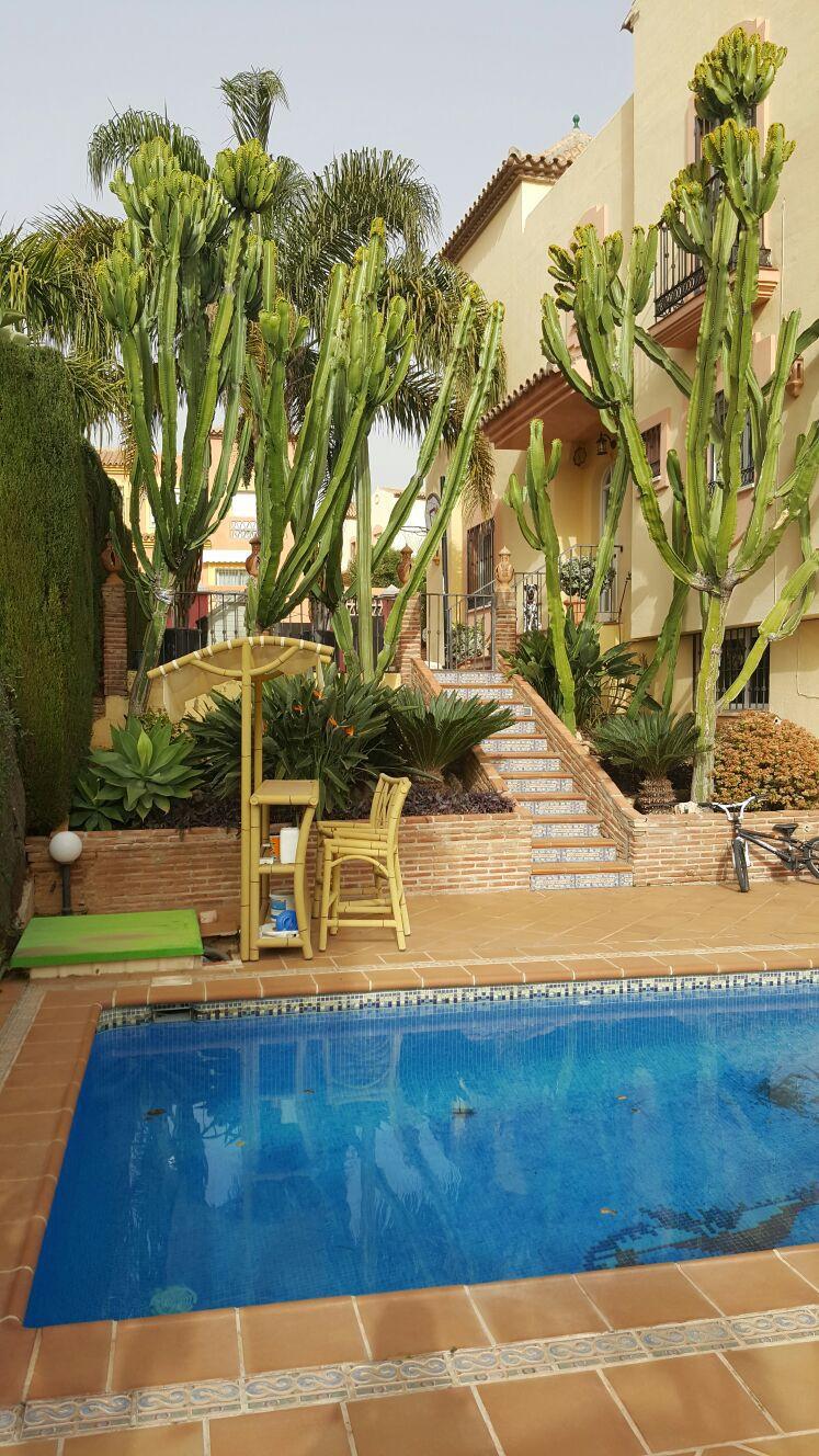 Pareado en Venta en Marbella – R169486