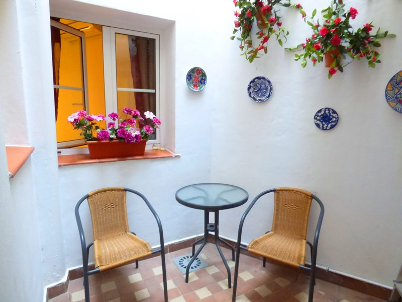 Nice and cozy apartment next to the old town, located in a quiet little street in the old part of th, Spain