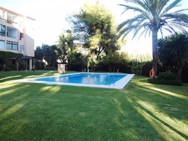 Apartment - Middle Floor, Nueva Andalucia, Costa del Sol. 3 Bedrooms, 2 Bathrooms, Built 120 sqm.  S, Spain