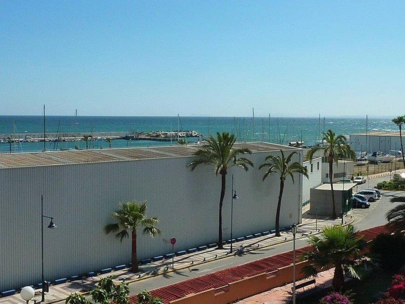 Marbella Banus Apartamento Planta Media en venta en Marbella – R2394368