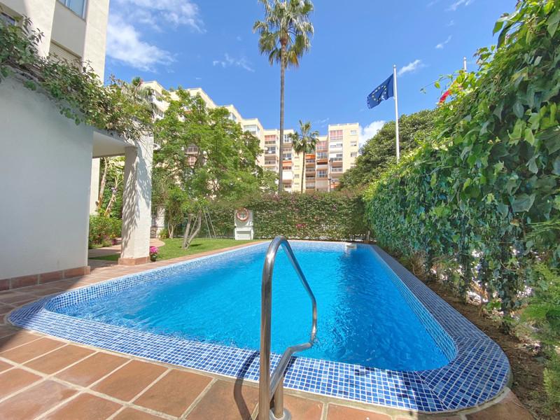 Apartamento Planta Media en venta en Marbella – R3183943