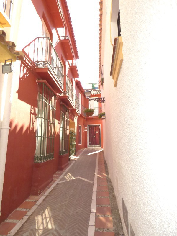 House in Marbella R2447900 3