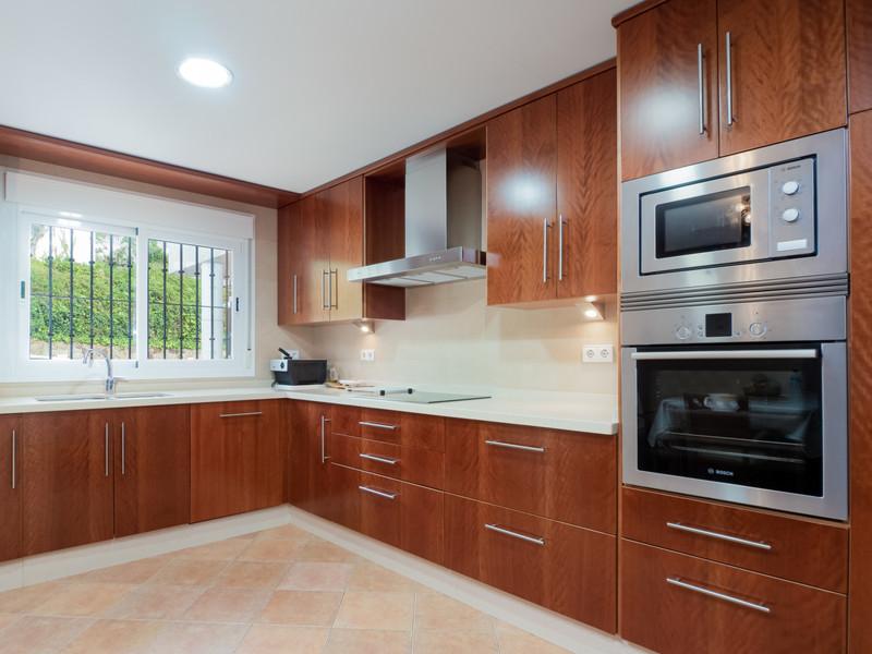 Adosada en venta en Marbella – R3531916