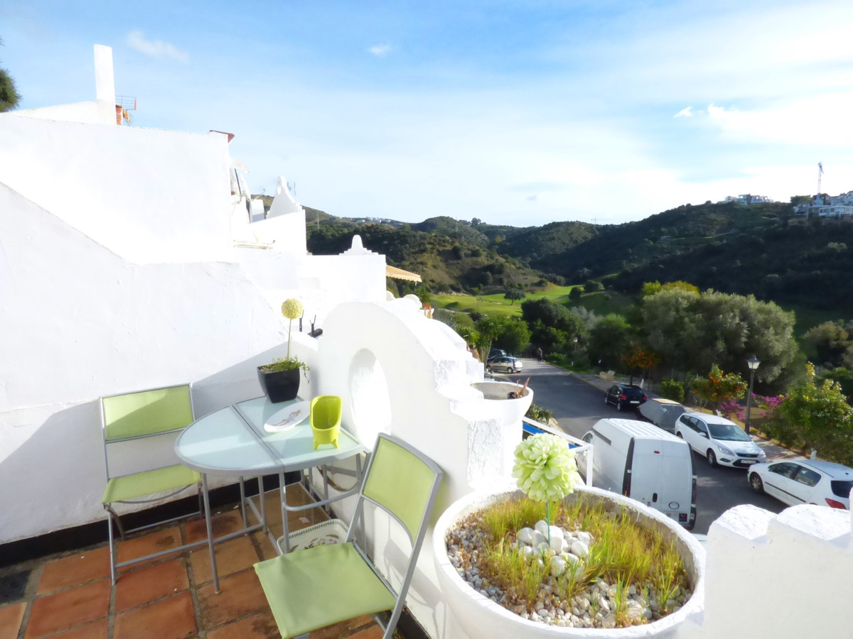 Townhouse in Marbella R3348076