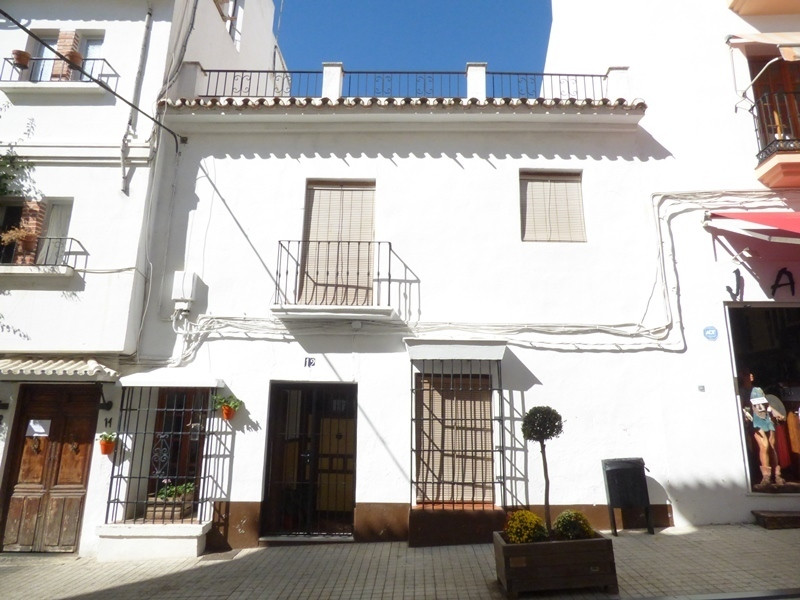 House in Marbella R3032882 1
