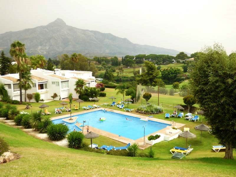 Ideally situated for golf lovers!!! One bedroom apartment set in the very nice and well-kept communi,Spain