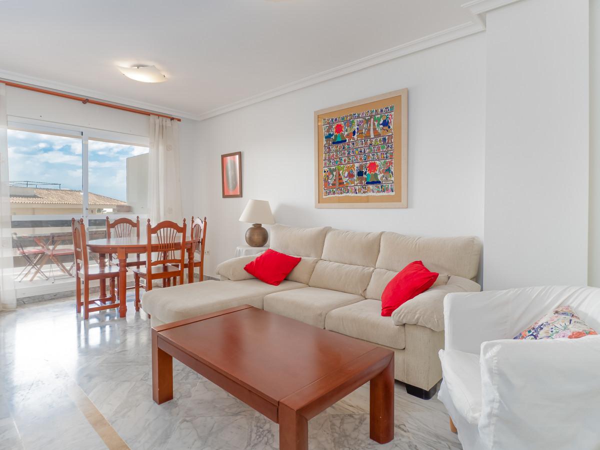 Apartamento Planta Media en Venta en Puerto Banús – R3500263